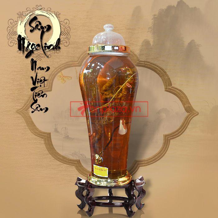 Bình ngâm sâm Ngọc Linh tự nhiên 70 tuổi 1.65kg